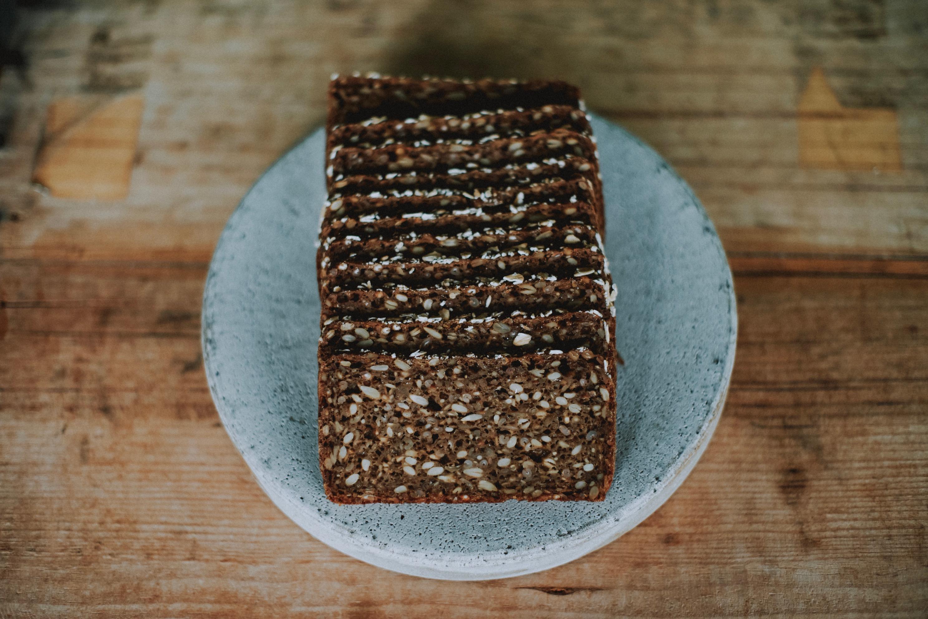 5_デンマークの黒パン「ルブロ」